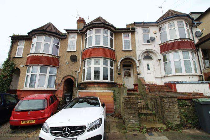5 Bedrooms Terraced House for sale in Large Traditional Property on Cromwell Hill, Luton