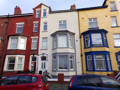 9 Bedrooms Flat for sale in Tyldesley Road, Blackpool, Lancashire, FY1