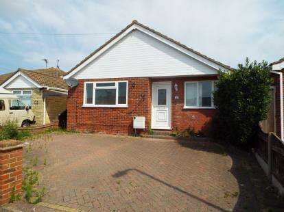 3 Bedrooms Bungalow for sale in Jaywick, Clacton On Sea, Essex