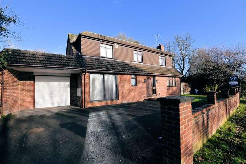 3 Bedrooms Detached House for sale in Overdown Road, Tilehurst, Reading