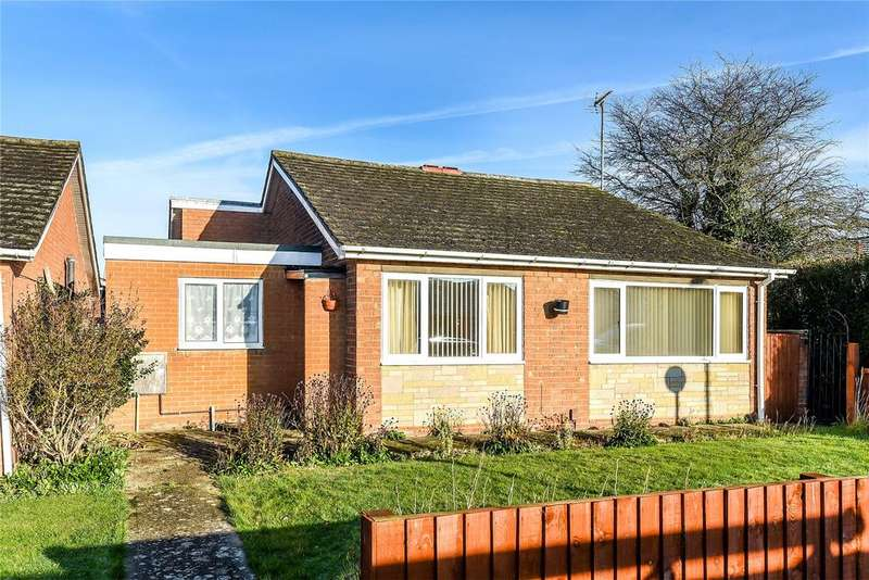 3 Bedrooms Detached Bungalow for sale in Hollywell Road, Lincoln, LN5