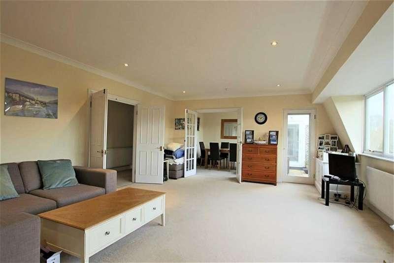 3 Bedrooms Flat for sale in Holden Road, Woodside Park, London