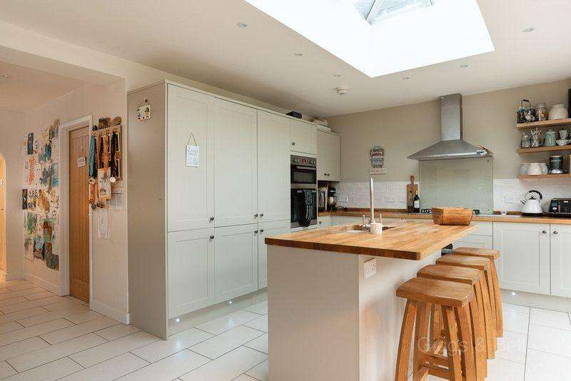 4 Bedrooms Semi Detached House for sale in *** Treat yourself for Christmas ***