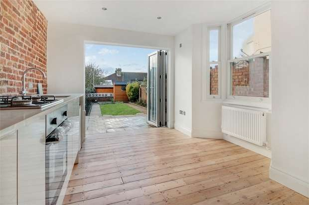 3 Bedrooms Terraced House for sale in Byron Road, Walthamstow, London