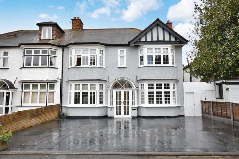 4 Bedrooms Semi Detached House for sale in Draycot Road, Wanstead