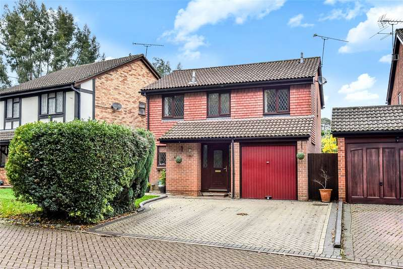 4 Bedrooms Detached House for sale in Cheylesmore Drive, Frimley, Camberley, Surrey, GU16