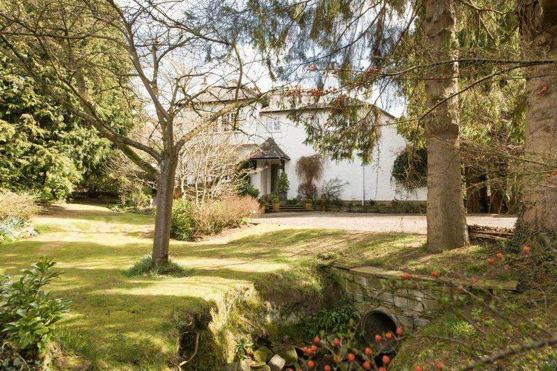 6 Bedrooms Detached House for sale in The Dene, Cadehill Road, Stocksfield