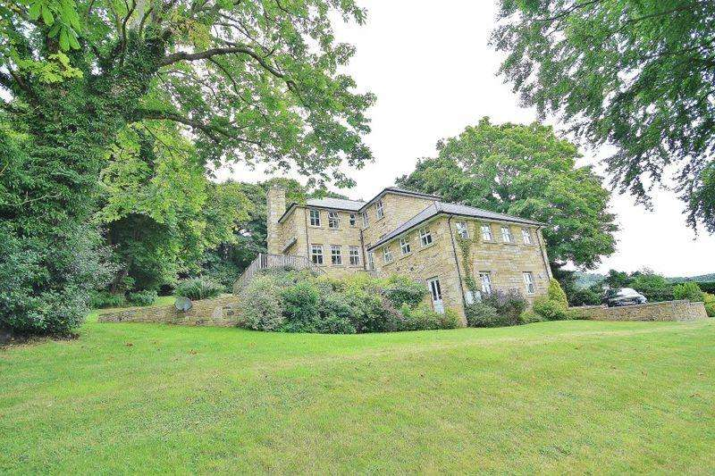 5 Bedrooms Detached House for sale in Rectory Garden House, Rothbury, Morpeth
