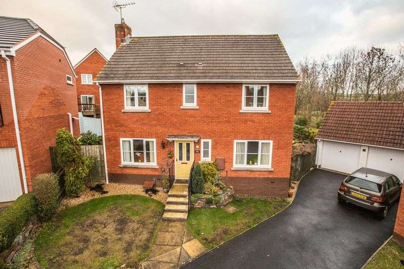 4 Bedrooms Property for sale in Cromwells Meadow, Crediton