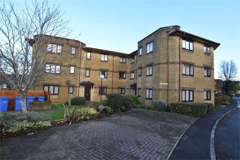 2 Bedrooms Flat for sale in Woodhill Views, Nailsea, Bristol, North Somerset