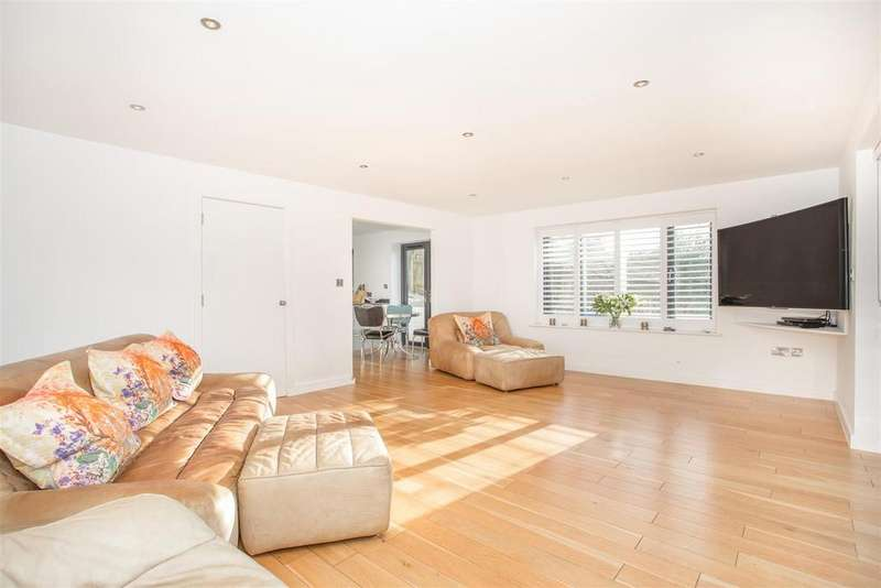 4 Bedrooms Detached House for sale in Balfour Road, Brighton