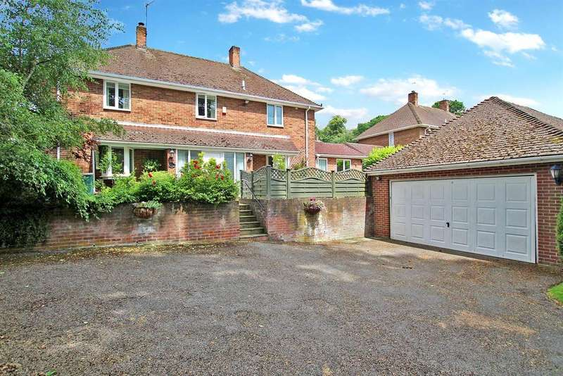 4 Bedrooms Detached House for sale in Woodchurch Road, Arnold, Nottingham