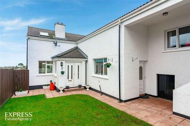 4 Bedrooms Detached House for sale in Carney Hill, Holywood, County Down