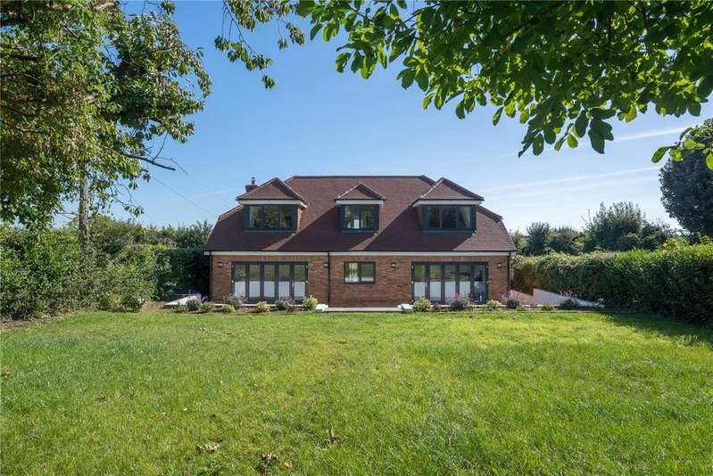 4 Bedrooms Detached House for sale in Old Roman Road, Martin Mill, Dover, Kent