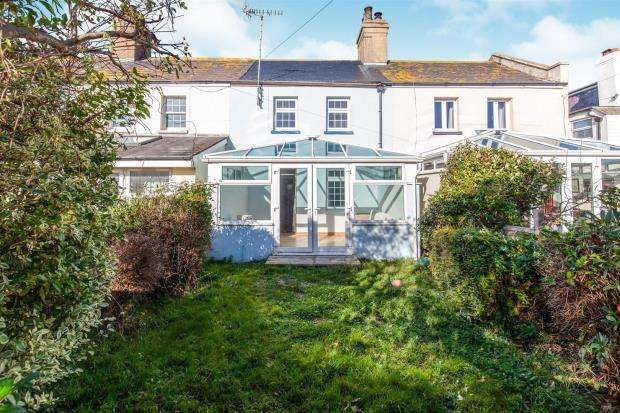 2 Bedrooms House for sale in Coastguard Cottages, Normans Bay, Pevensey