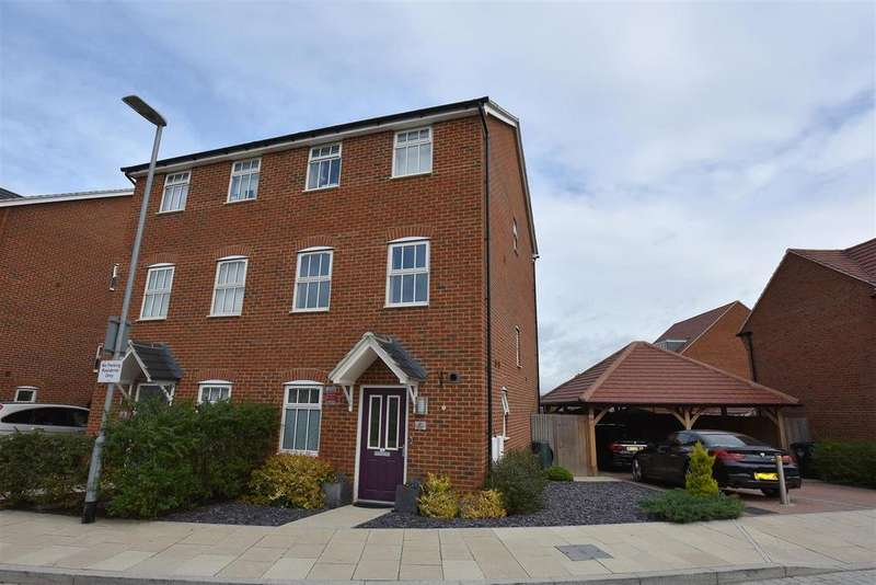 3 Bedrooms Semi Detached House for sale in Park View, Ebbsfleet Valley, Swanscombe