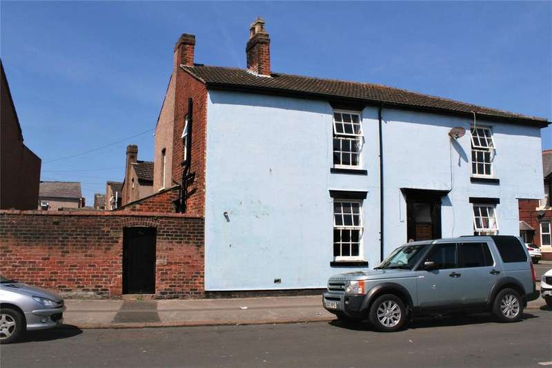 2 Bedrooms Semi Detached House for sale in North Church Street, Fleetwood, FY7