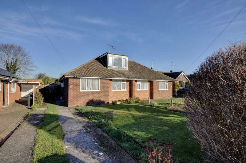 3 Bedrooms Semi Detached House for sale in Shortborough Avenue, Princes Risborough