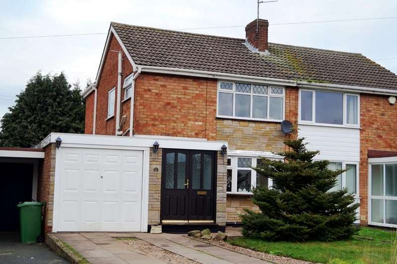 3 Bedrooms Semi Detached House for sale in Wood Avenue, Coven