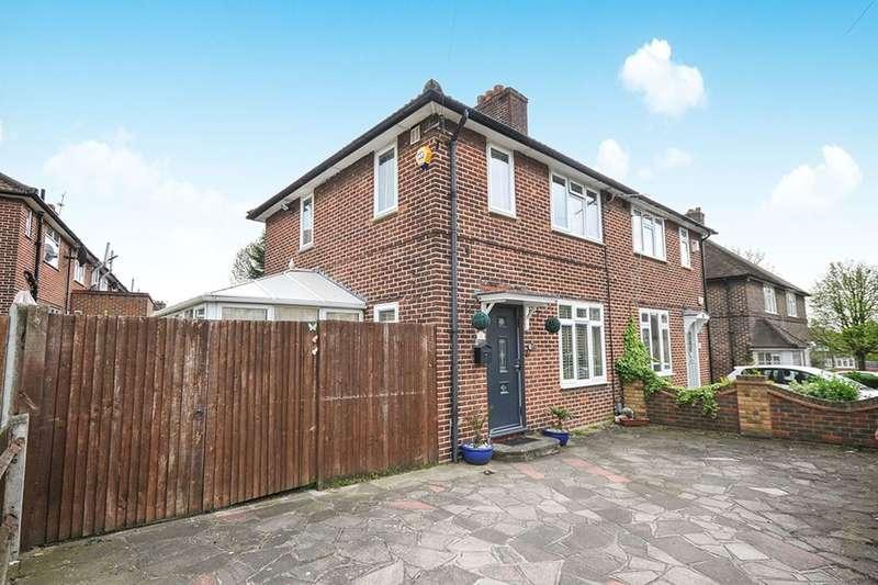 3 Bedrooms Semi Detached House for sale in Birdbrook Road, London, SE3