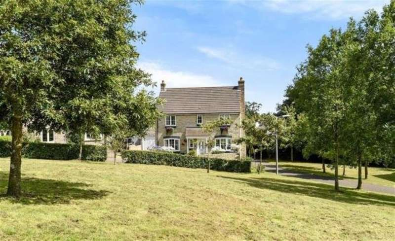 4 Bedrooms Detached House for sale in Gloweth, Truro