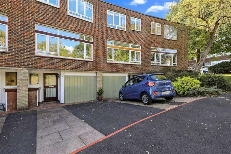 4 Bedrooms Town House for sale in Hall Drive, Sydenham
