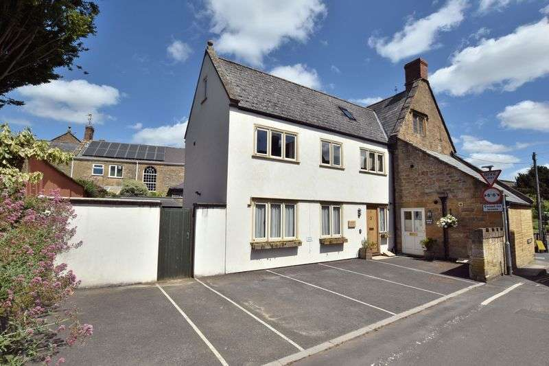 3 Bedrooms Property for sale in Crown Lane, South Petherton