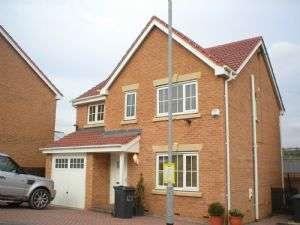 4 Bedrooms Property for rent in 9 Bridon Way Cleckheaton Bradford