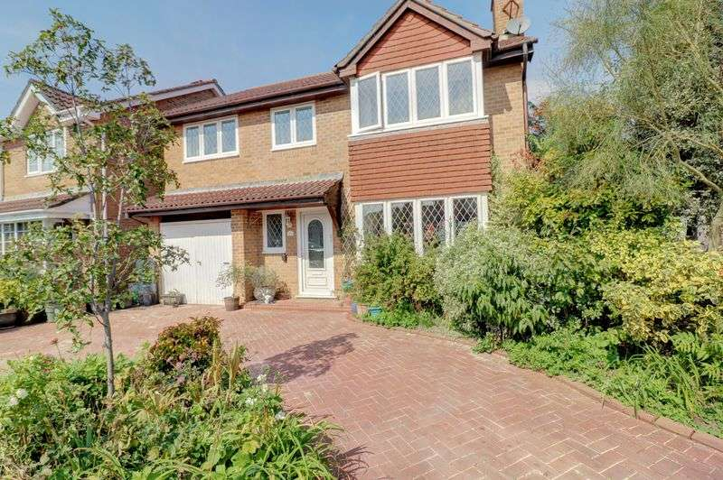 5 Bedrooms Property for sale in Beauchamps Gardens, Bournemouth