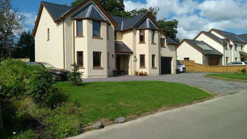 5 Bedrooms Property for sale in Cadwallader Court, Tenby