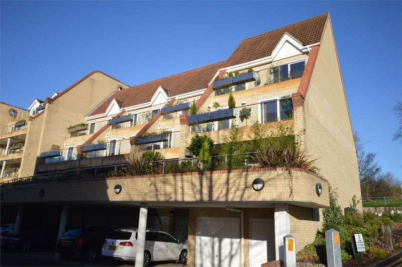 4 Bedrooms End Of Terrace House for sale in St James Meadow, Norwich