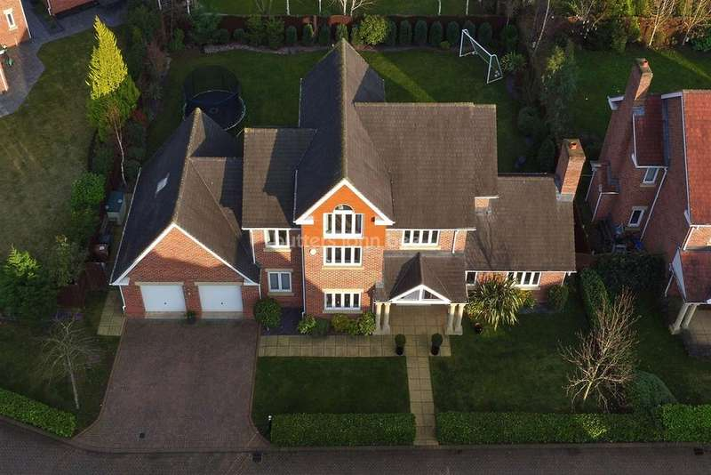 7 Bedrooms Detached House for sale in Hampstead Drive