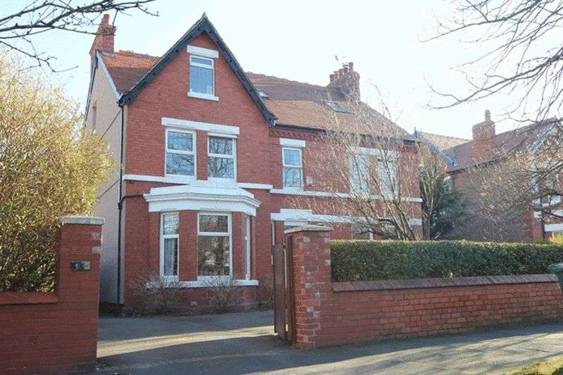 8 Bedrooms Property for sale in Meols Drive, Hoylake