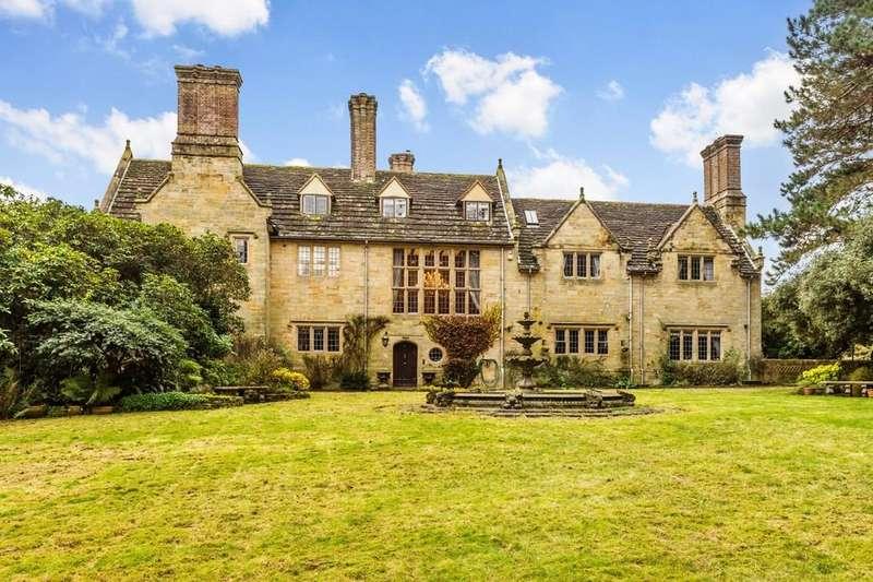5 Bedrooms Manor House Character Property for sale in Herontye House, Stuart Way, East Grinstead