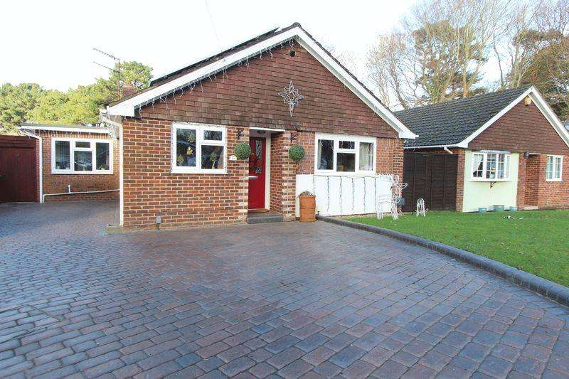 2 Bedrooms Detached Bungalow for sale in Beverley Heights, Southampton