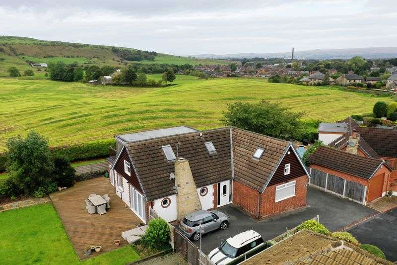 4 Bedrooms Property for sale in WHITFIELD CRESCENT, Newhey, Rochdale OL16 4NA