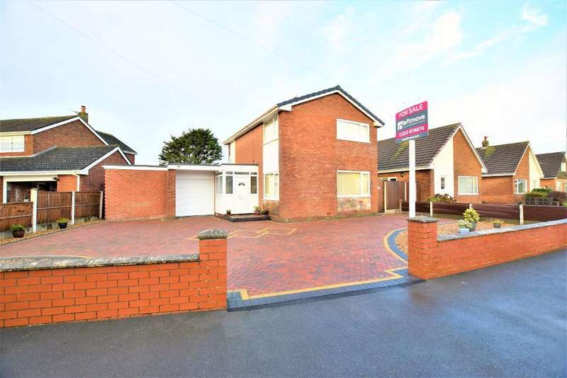 3 Bedrooms Detached House for sale in Patterdale Avenue, Fleetwood, Lancashire, FY7 8NW