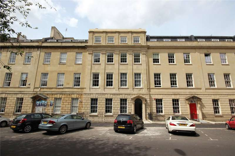 3 Bedrooms Flat for sale in Portland Square Bristol BS2