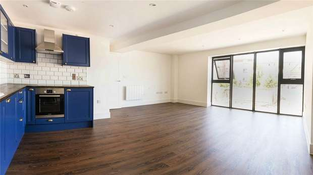 3 Bedrooms Flat for sale in 25 Portland Square, Bristol