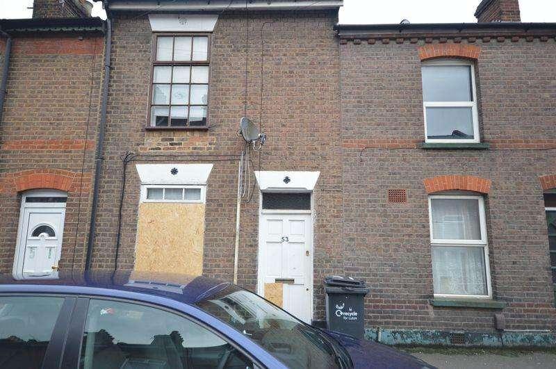 4 Bedrooms Terraced House for sale in Hibbert Street.