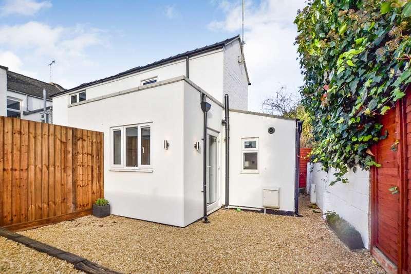 2 Bedrooms House for sale in Alexandra Street, Tivoli, Gloucestershire