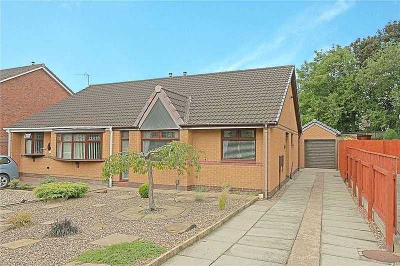 2 Bedrooms Semi Detached Bungalow for sale in Kinloss Close, Thornaby