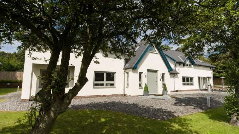 4 Bedrooms House for sale in Longridge, Potters Bank, Durham