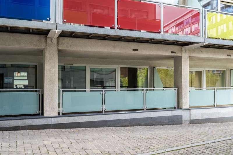 3 Bedrooms Flat for sale in Concord Street, Leeds