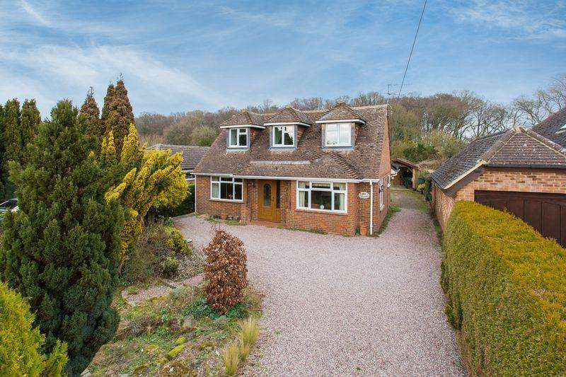 4 Bedrooms Detached Bungalow for sale in Spurlands End Road, Great Kingshill