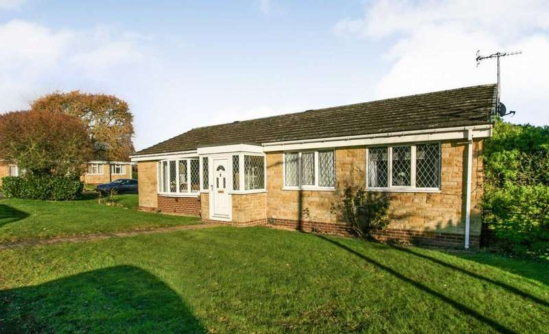 4 Bedrooms Bungalow for sale in Kilburn Road, Dronfield Woodhouse, Derbyshire S18 8QA