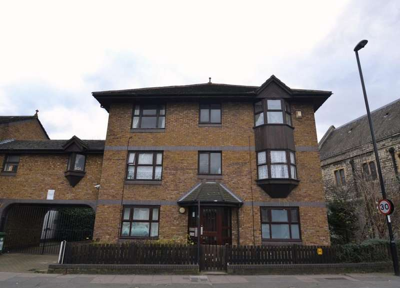 2 Bedrooms Flat for sale in Courthill Road Lewisham SE13