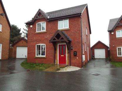 4 Bedrooms Detached House for sale in Top Farm Road, Wrexham, LL11