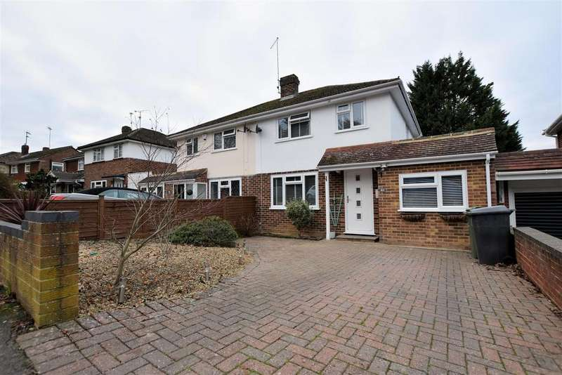 3 Bedrooms Semi Detached House for sale in Dell Road, Tilehurst, Reading