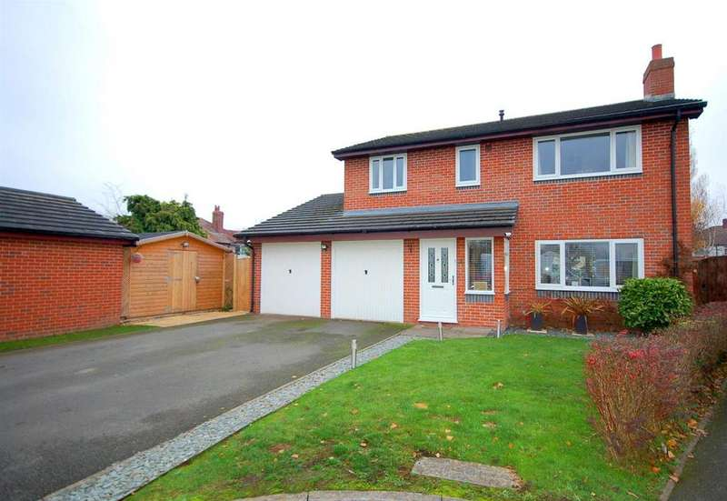 4 Bedrooms Detached House for sale in Foxes Hollow, Crewe